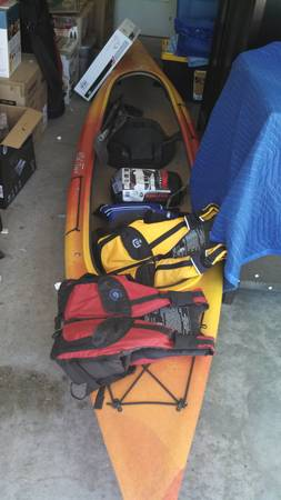14 tandem kayak and lifejackets - $800 (Killeen)