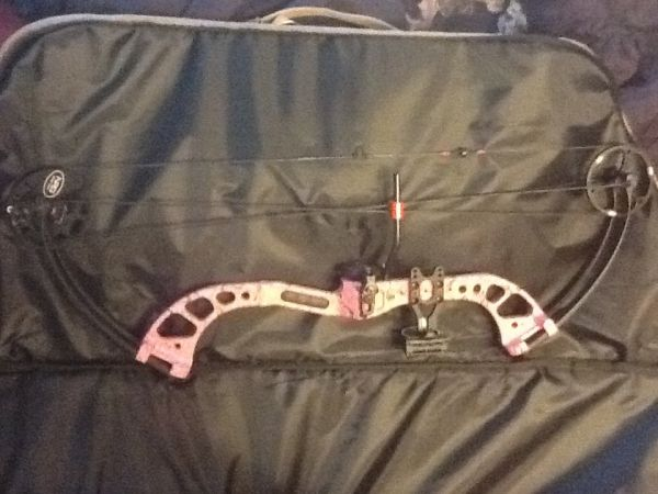 Womans PSE Chaos Bow - $400 (Killeen )