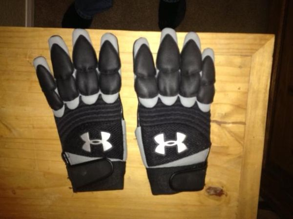 FootBall Lineman Gloves - $30 (Copperas Cove)