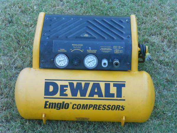 DEWALT air compressor - $75 (Rogers)