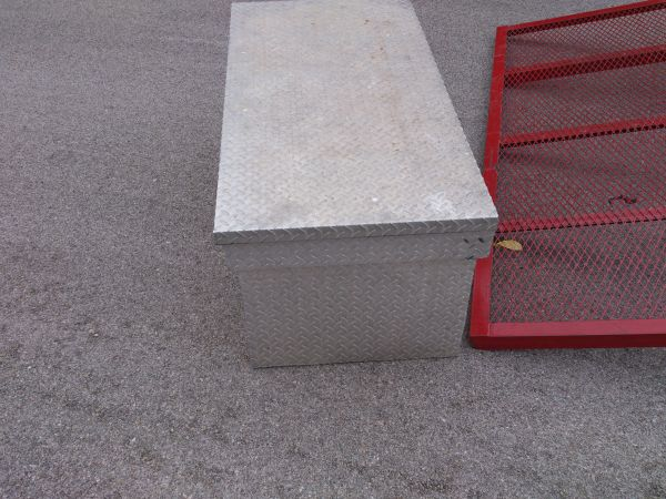 Better Built Diamond Plate Truck tool box 49 x 25 x 20 12 - $125 (Temple TX)