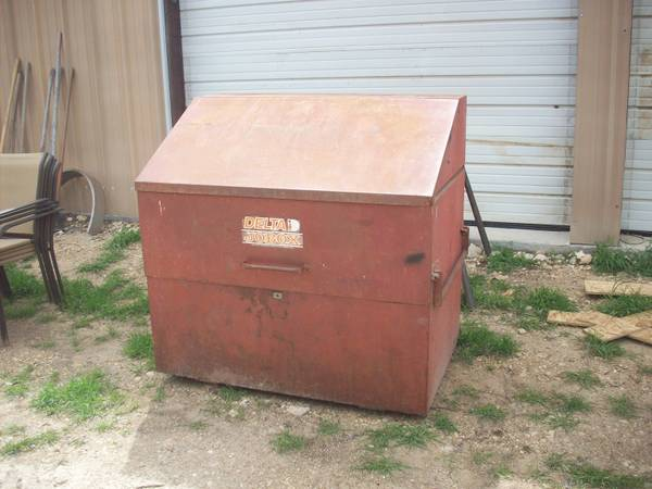 LARGE DELTA JOB BOX - $400 (GATESVILLE)