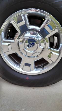 Set of 4 17 Inch F150 Tires and Rims - $600 (Harker Heights)