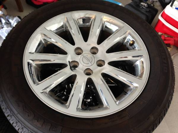18 Chrysler 300 rims and tires - $600 (Killeen)