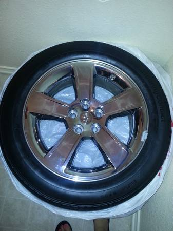 set of 18 Dodge Charger 07 stock rims - $300 (Killeen)