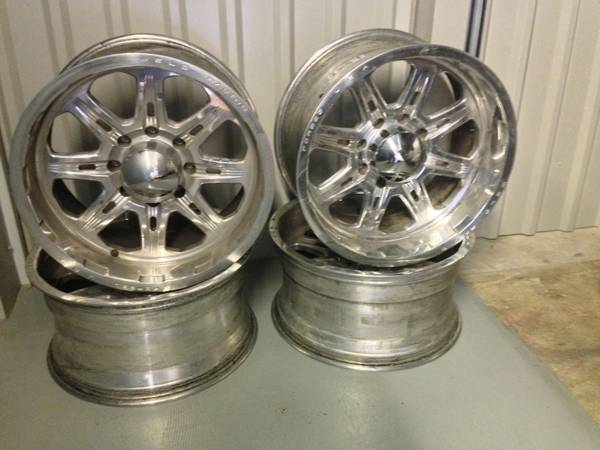 Weld Wheels 20x10 Ford F250 F-250 - $700 (Fort Hood, TX)