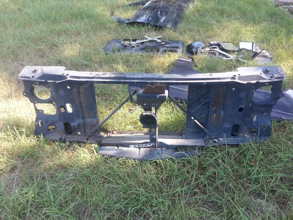 88 98 chevy truck 1500 parts (belton)