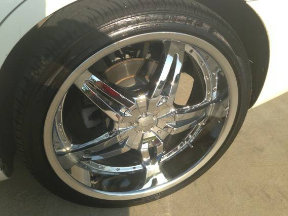 22inch 22s for sale dodge lug pattern off magnum - $700 (Killeenfort hood )
