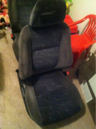 GSR cloth seats - $200 (Killeen)