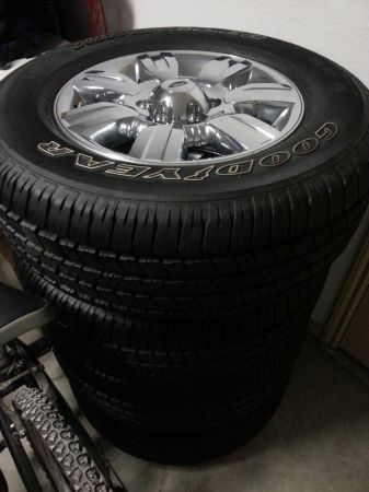 OEM Ford F150 Wheels and Tires - $700 (Harker Heights Killeen)