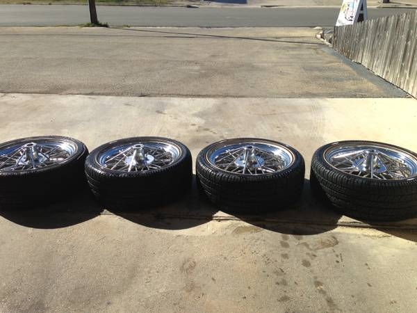22 texan wire wheels with vogue 30540R22 - $900 (killeenfort hood)