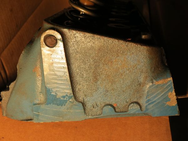SBC Camel Back  Double Hump  Fuelie Cylinder Heads - $350 (Killeen)