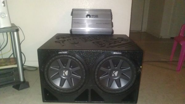 2 10 1000 Watt Kickers Pro Box 1600 Watt RE Audio For Sale Or Trade - $300 (Killeen Fort Hood)