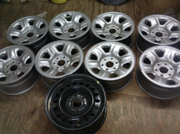 set of stock nissan titan wheels BARE no tires - $150 (temple)