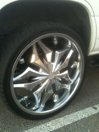 LEXANI luxury 26 inch rims with tires gmc Chevy escalade Titan Tahoe - $2500 (Belton)