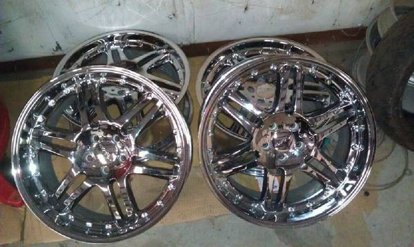 Set of 4 Rims for 2005 Ford Mustang - $600 (Killeen)