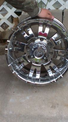 ford 8 lug wheels - $700 (belton)