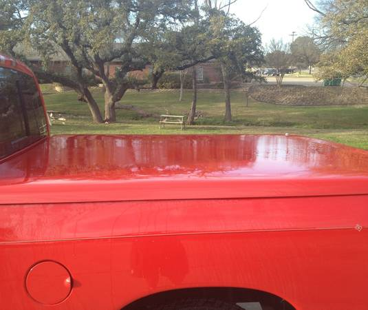 SnugTop Hard Tonneau Bed Cover - Dodge Ram - $300 (Belton)