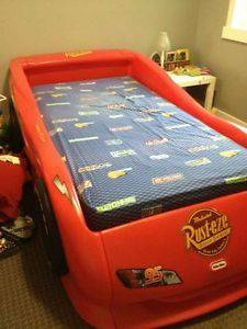 Twin Race Car Bed - Lightning McQueen - $150 (KempnerCopperas)