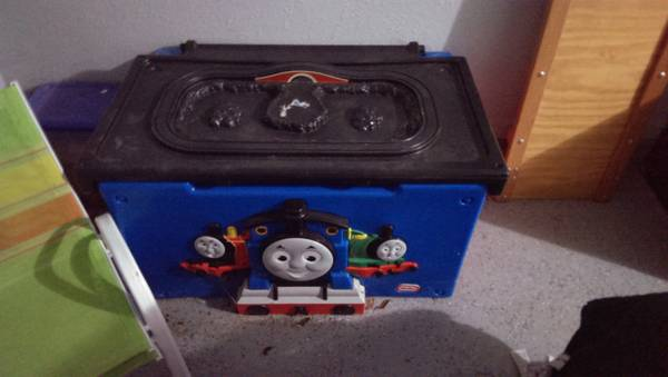 thomas train toy box - $50 (killeen)