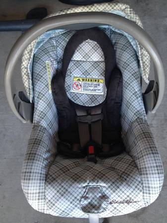Eddie Bauer car seat stroller combo with base  - $70 (Killeen )