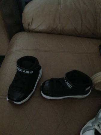 Size 7c shoes (Jordans,sperrys) - $15 (Killeen)