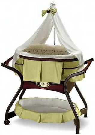 Fisher-Price Zen Collection Gliding Bassinet (Fort Hood)