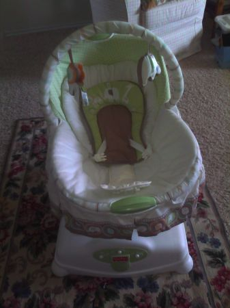 Fisher Price Soothing Motions Glider - $40 (Harker Heights - Skipcha Mtn)