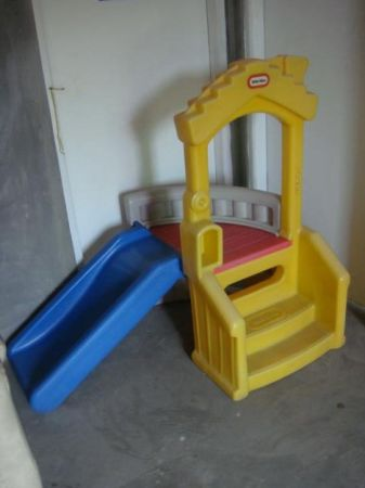 Childs Little Tikes House Slide Climber Toy - $40 (Killeen)