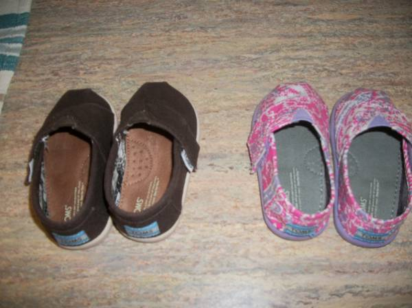 2 Pair Toms Shoes Toddler Size 4.5 - $30 (Harker Heights)