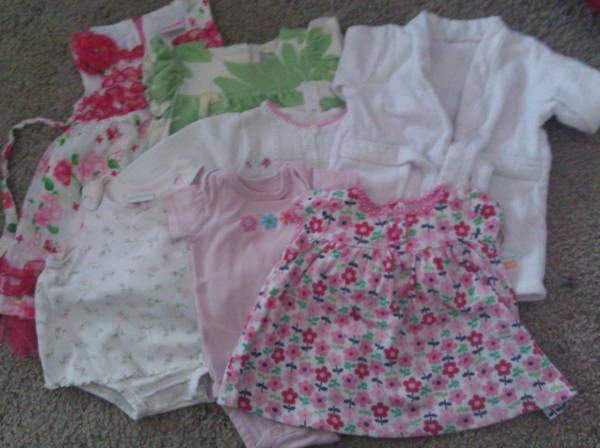 Baby Girl Clothes Lot of 7 items sizes 3-18mo(Carters, Gap, Nannette) - $15 (Killeen)