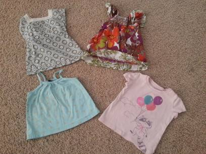 2t baby gap girl tops - $8