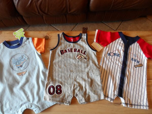 6 Brand new never worn baby clothes - $15 (copperas cove)