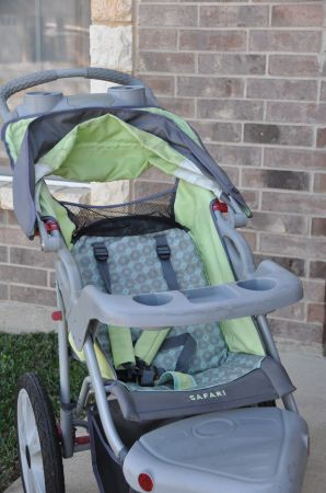Excellent Used Condition In Step Jogging Stroller - $75 (killeen- near stan schleutertrimmier)
