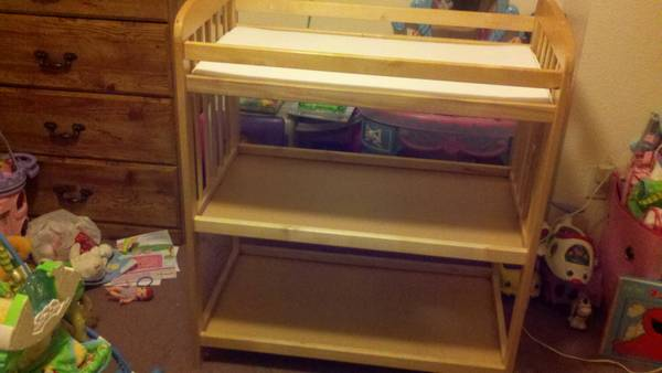 Evenflo Changing Table - $45 (Belton )