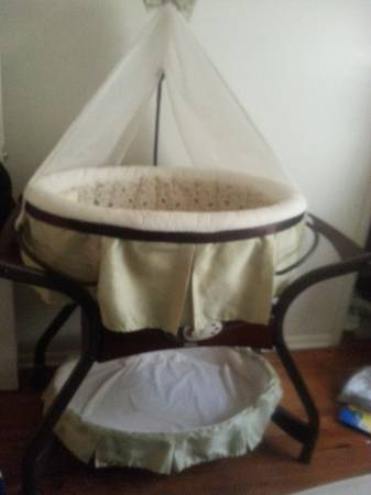 zen swing and bassinet (killeen)