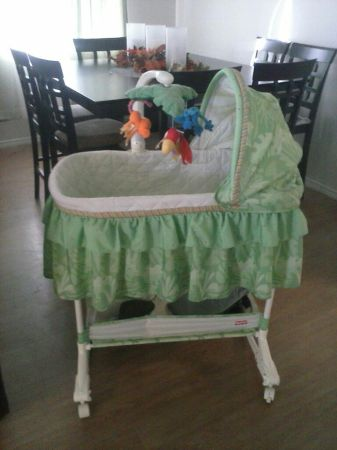 Fisher-Price - Rainforest Bassinet With Mobile - $45 (fort hood)