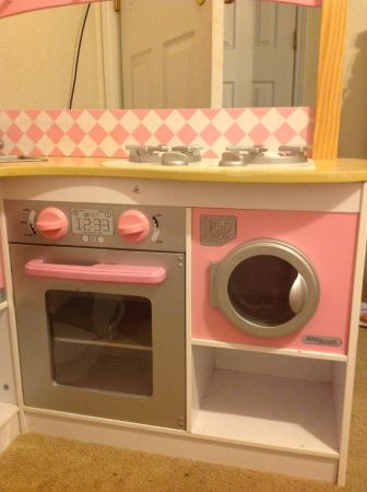 KidKraft kids pink kitchen - $100 (nolanville)