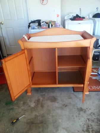Baby Crib, Changing Table and Matress - $300 (Killeen, TX)