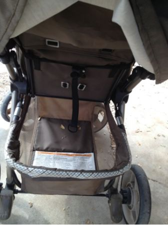 Eddie Bauer Stroller and matching car seat cover - $50 (Belton)