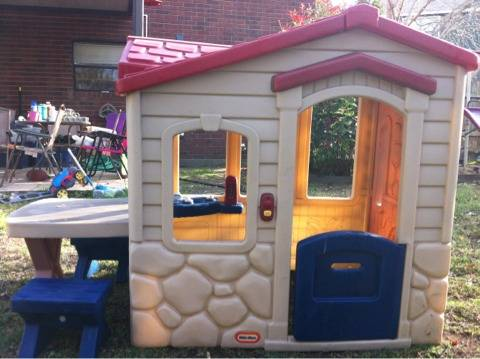 Little Tikes Log Cabin playhouse - $150 (Copperas Cove)