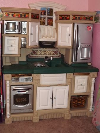 Step 2 Kids Play Kitchen - $50 (Copperas Cove )