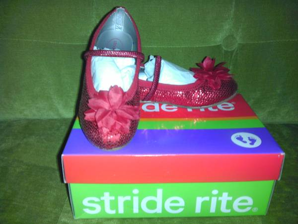 LIKE NEW GIRL PARTY SHOES- STRIDE RITE SIZE 12.5 W - $15