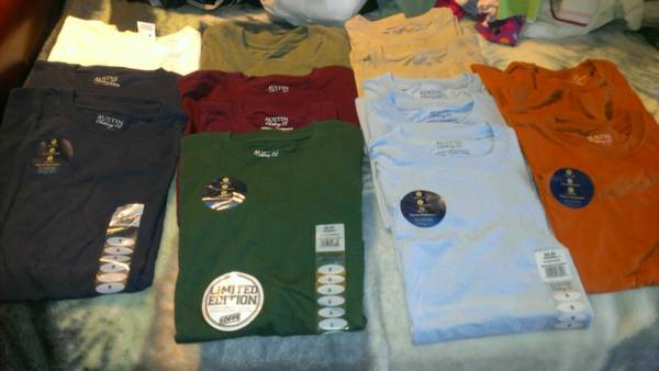 BRAND NEW WITH TAGS MEN SIZE SMALL T-SHIRTS - $3 (KILLEEN 76542)