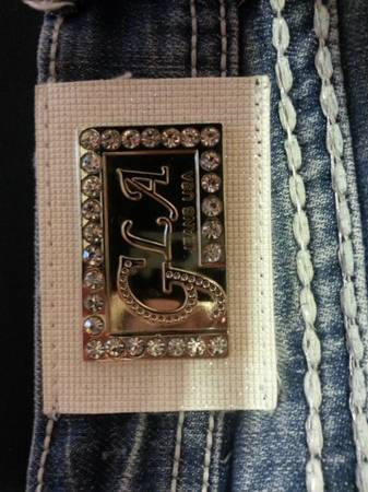 Grace In LAlook like miss me rhinestone jeans size 3 from the buckle - $55