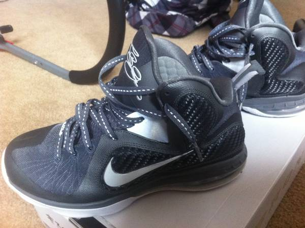Wolf grey leBron sz. 8 - $120 (killeen)