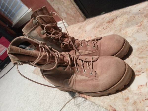 Army Belleville Gore-tex boots, 8.5 W - $45 (Killeen)