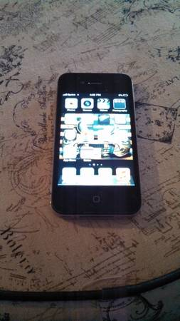 I PHONE 4 (Sprint) - $125 (LOMETA)