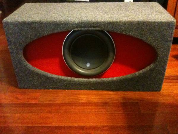 Jl audio W7 10 inch subwoofer with high output Jl audio box - $450 (Austin)