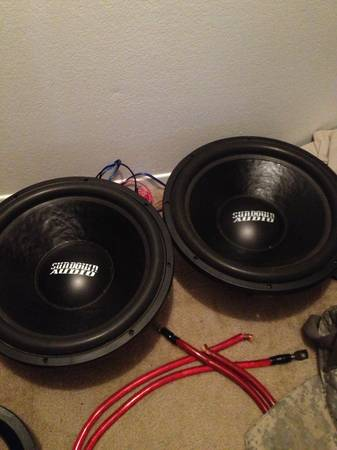 Sundown Audio SA-15s with custom box - $500 (Temple)